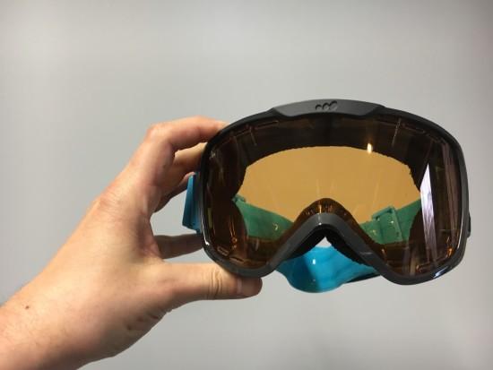 De nieuwe versie van de E-tint bril